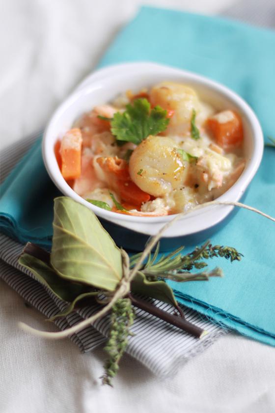 Cassolette aux 2 poissons et aux st jacques fa on blanquette for A bon verre bonne table