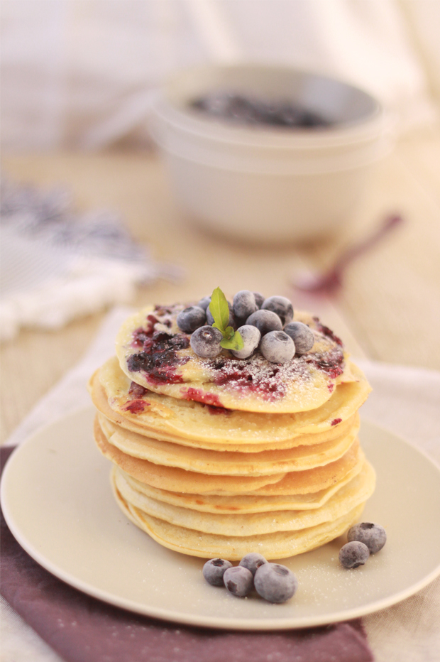 Pancakes-au-lait-d'amandes-et-myrtilles4