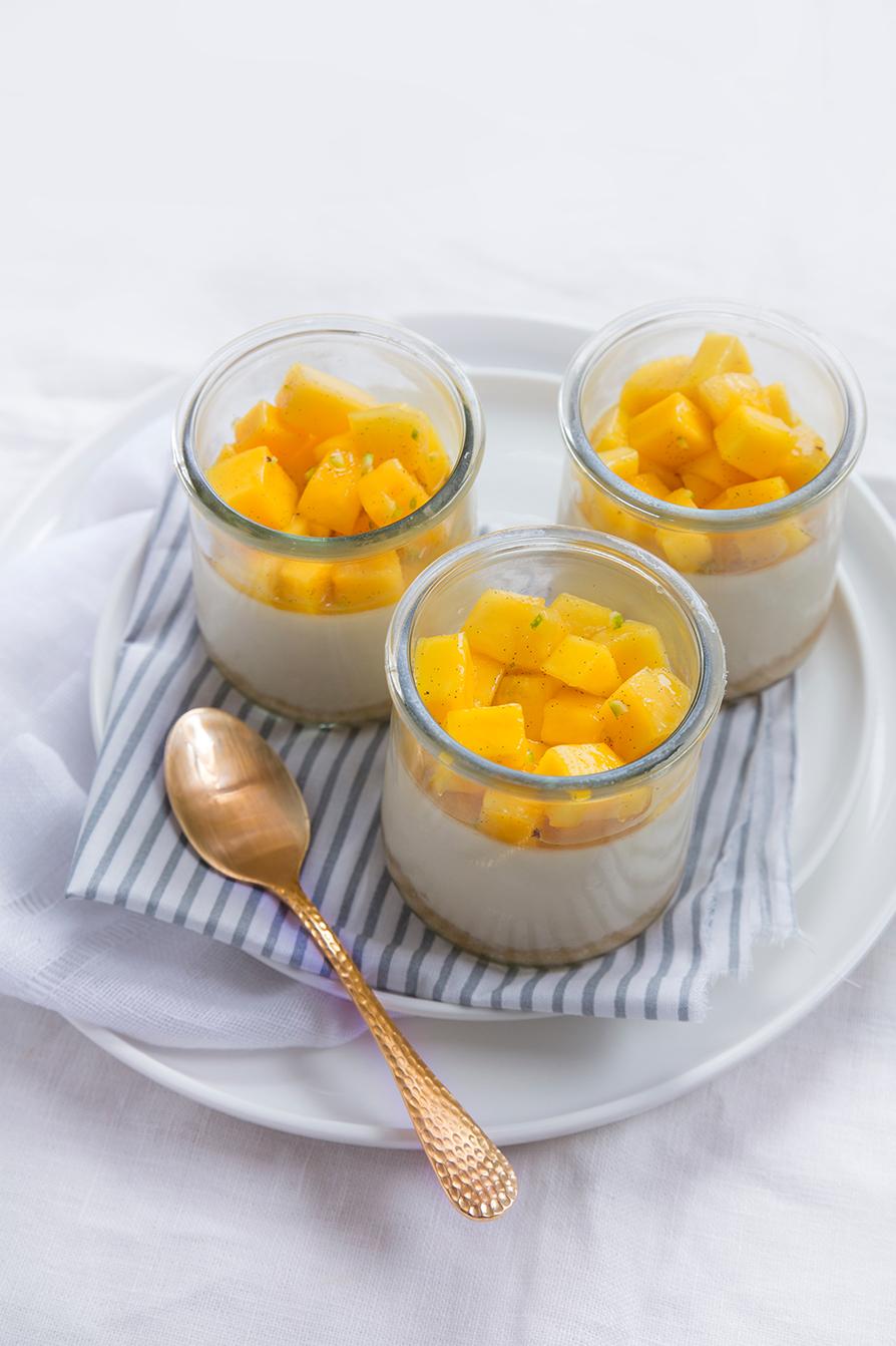 Panna-cotta-au-caramel-et-mangue2