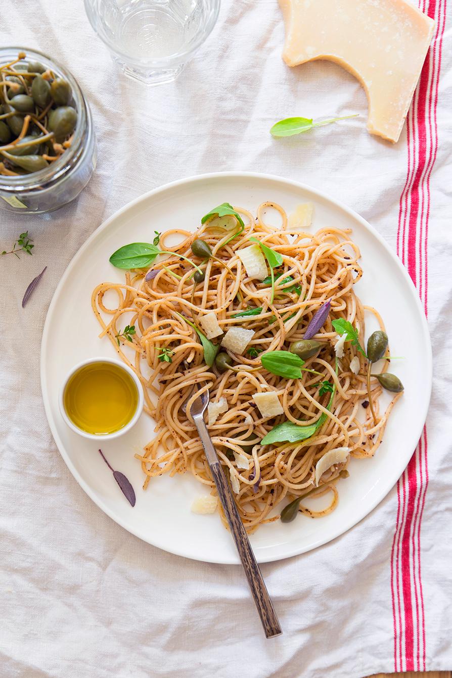 Spaghettis aux capres et roquette ©Fraise & Basilic