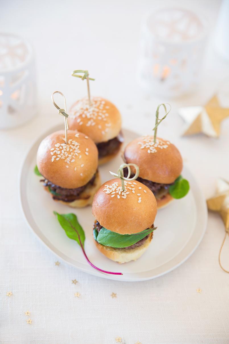 Minis burger de chevreuil, confit de poire aux épices ©Fraise & Basilic