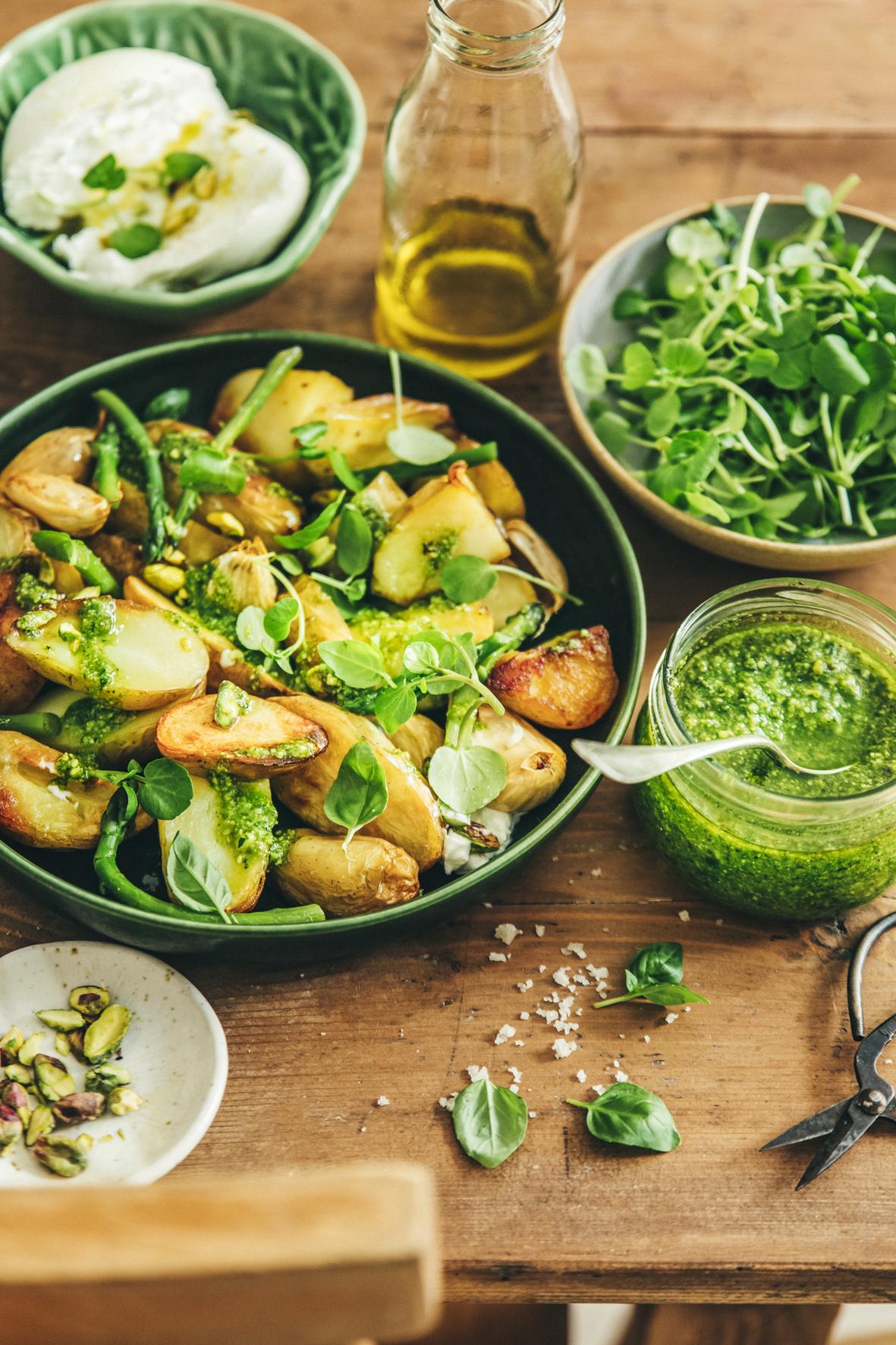 Pommes de terre de primeur rôties, burrata et pesto de cresson ©Sandrine Saadi