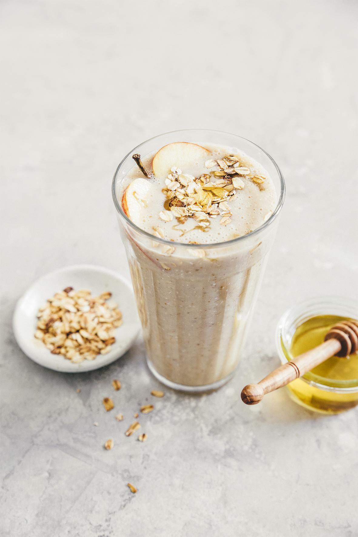 Breakfast gourmand Milkshake pommes, avoine et dattes