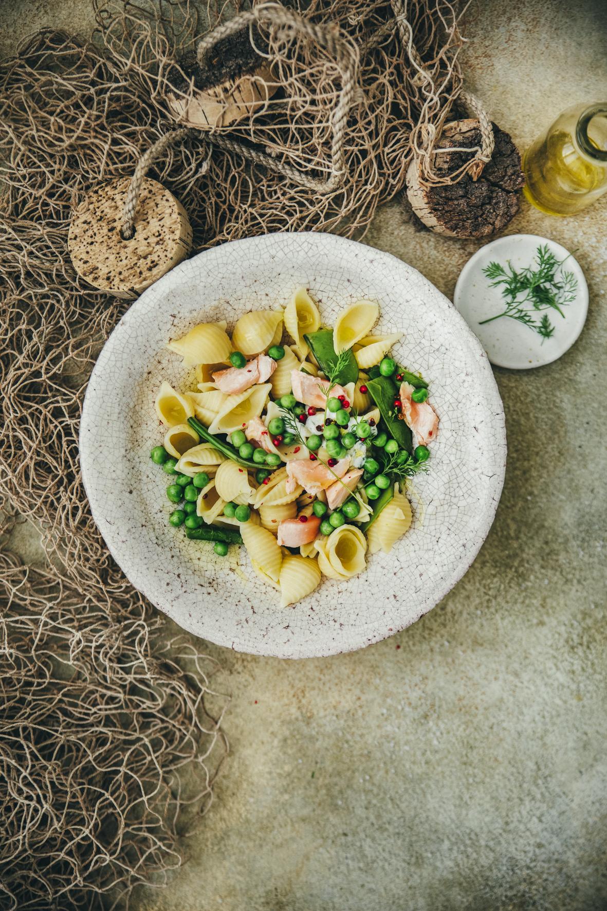 Conchiglie au saumon et aux légumes verts ©Sandrine Saadi