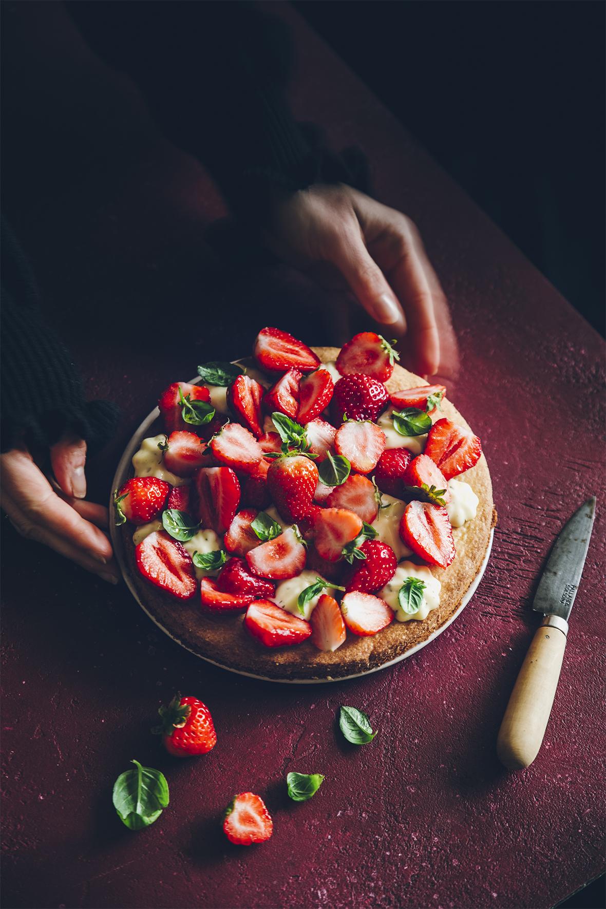 Tarte aux fraises, crémeux citron vert basilic ©Sandrine Saadi